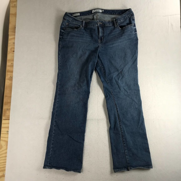 Torrid Relaxed Boot Cut Mid Rise Womens 20